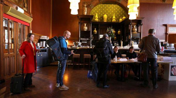 In upset, Dutch Labour party trumps populists in European vote