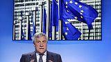 Tajani, non si strumentalizza crocifisso