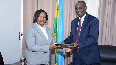 Rwanda: Dr Kasonde Mwinga, New WHO Representative in Rwanda presents credentials to the Minister of Foreign Affairs and International Cooperation