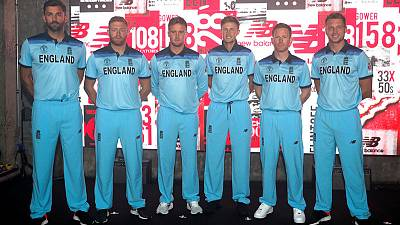 Hosts and favourites, the pressure is on England