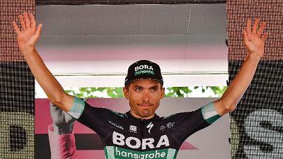 Giro: Benedetti trionfa a Pinerolo