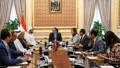 Egyptian premier hails UAE's contribution to enhancing government performance