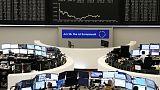 خليط من مخاوف التجارة وبيانات ضعيفة وبريكست يضرب الأسهم الأوروبية