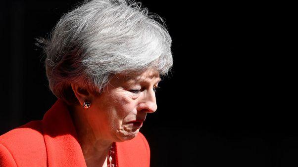 الانفصال عن الاتحاد الأوروبي يطيح برئيسة الوزراء البريطانية