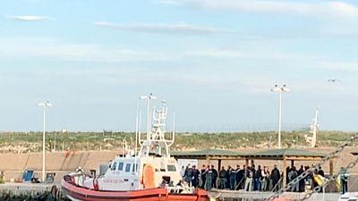 Migranti: in 57 sbarcano a Lampedusa
