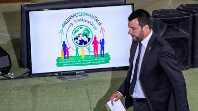Salvini, insulti? Da lunedì rispetto
