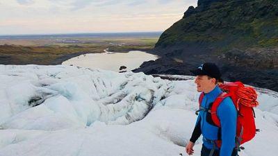 Lascia ufficio e fa guida in Islanda