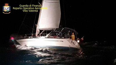 Migranti soccorsi,in 54 in barca a vela
