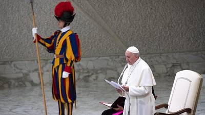 Papa: vita è sacra, eugenetica disumana