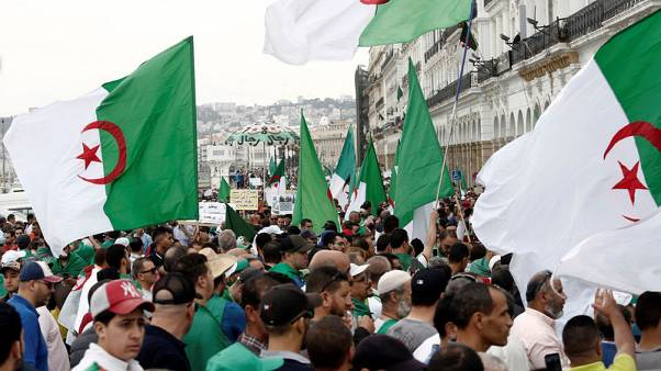 تلفزيون: النائب العام الجزائري يحيل ملفي رئيسي وزراء سابقين للمحكمة العليا