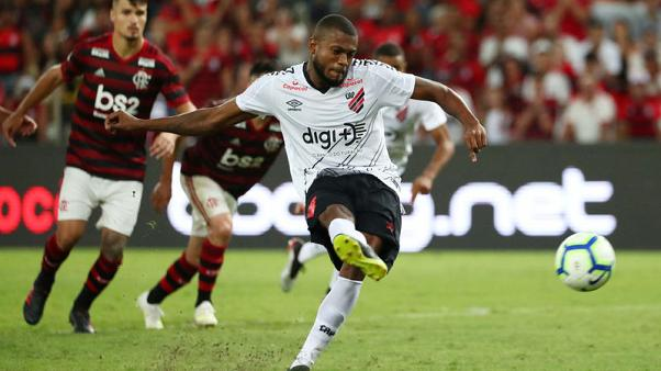 Late goals seal 3-2 win for Flamengo