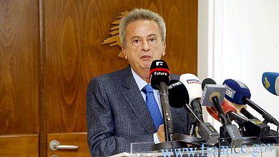 """حاكم مصرف لبنان يري """"إشارات إيجابية"""" في إصلاحات الموازنة وقطاع الكهرباء"""