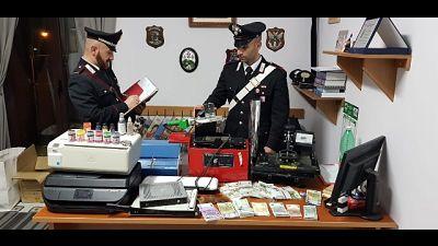 Laboratorio false banconote, un arresto