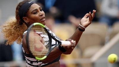 Parigi: Serena Williams vince in rimonta