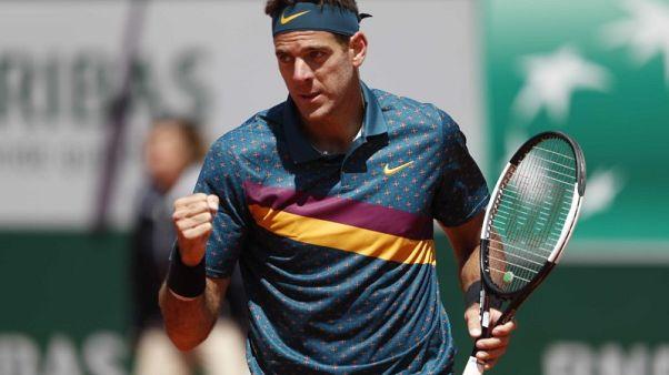 Tennis - Del Potro powers past Jarry into second round