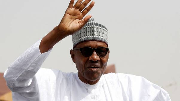 الرئيس النيجيري يبدأ فترة ثانية مليئة بالتحديات
