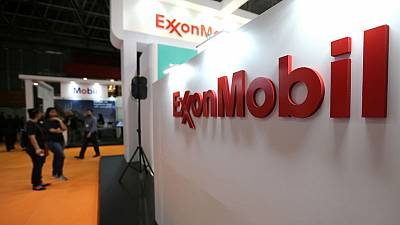 Exxon shareholders reject splitting CEO, board chair roles