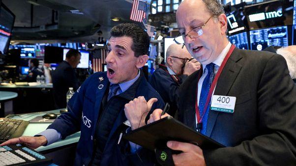 الأسهم الأمريكية تتراجع لمخاوف بشأن النمو بسبب توترات التجارة