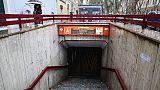 Donna muore sotto convoglio metro a Roma
