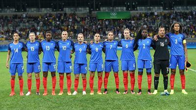 Ecco uomini, Francia donne via da ritiro