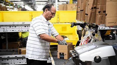 نمو الاقتصاد الأمريكي يتسارع في الربع الأول لكن الزخم يتباطأ