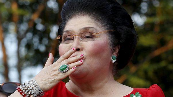 طرح مجوهرات إيميلدا ماركوس للبيع بعد موافقة الرئيس الفلبيني