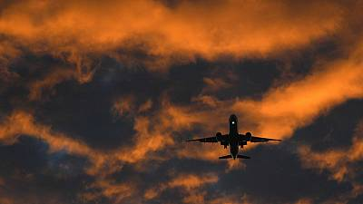 UK aims to cut aircraft 'stacking' as it reforms its airspace procedures
