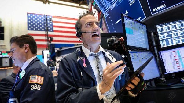 الأسهم الأمريكية تتراجع عند الفتح بعد تهديدات ترامب للمكسيك