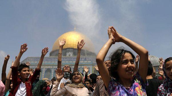 In Jerusalem, thousands pray at Al-Aqsa on last Friday of Ramadan