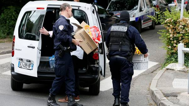 احتجاز المشتبه به في تفجير ليون وخضوعه للتحقيق