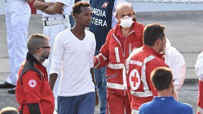 Salvini,da migranti record Tbc e scabbia