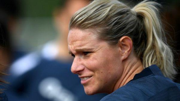 """Mondial-2019 dames: les Bleues """"pas inquiètes"""" pour leur capitaine"""