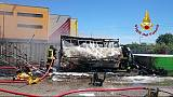 Esplode furgone vendita panini, 4 feriti