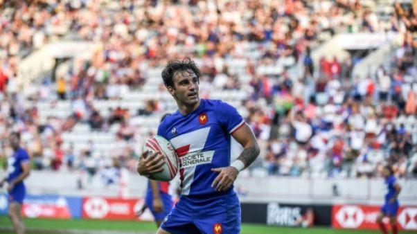 Rugby à VII: la France perd encore mais passe en quarts à Paris
