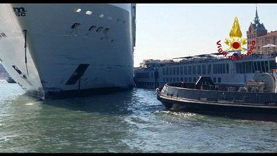 Incidente nave-battello in porto Venezia