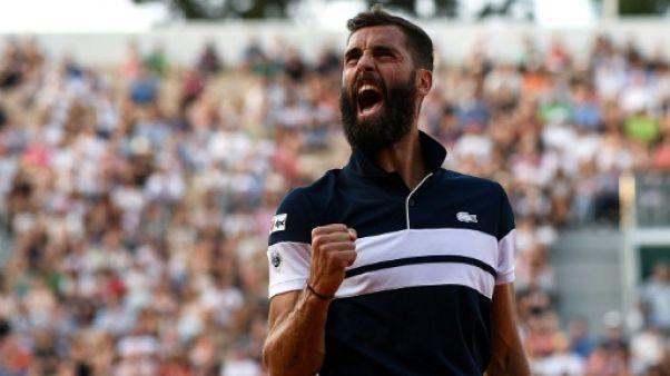 Roland-Garros: Paire mené deux sets à un par Nishikori, le match interrompu