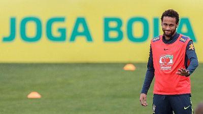 Polizia da Neymar, invito a comparire