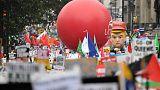 آلاف يحتجون على ترامب في لندن لكنهم أقل من المحتجين العام الماضي