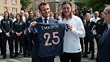 """""""Jouer ensemble"""": Macron passe ses consignes aux Bleues"""
