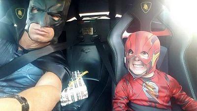 Imprenditore-Batman per i bimbi malati