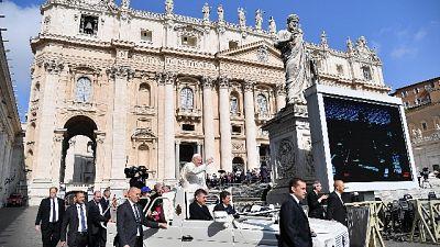Papa: sabato 8 'un minuto per la pace'