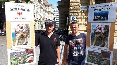 Manifestazione antilupo a Bolzano