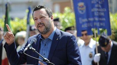 Salvini, governo va avanti