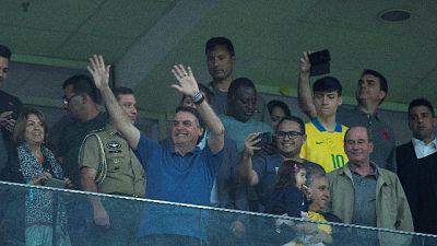 Bolsonaro visita Neymar in clinica