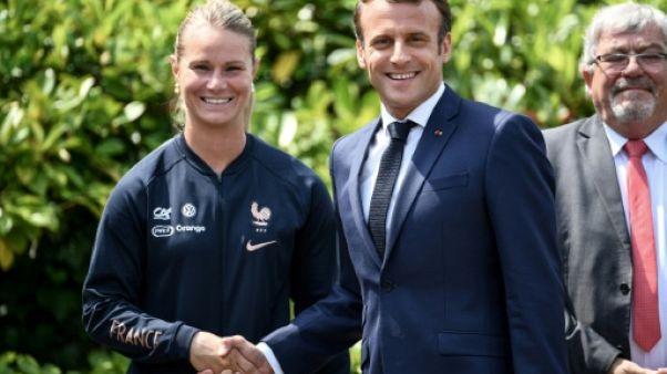"""La capitaine des Bleues Amandine Henry se dit """"apte"""" à débuter le Mondial"""