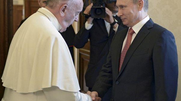 لقاء بين بوتين والبابا فرنسيس في يوليو قد يمهد لزيارة بابوية لروسيا