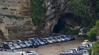 Cave 'Sanità' diventano parcheggi