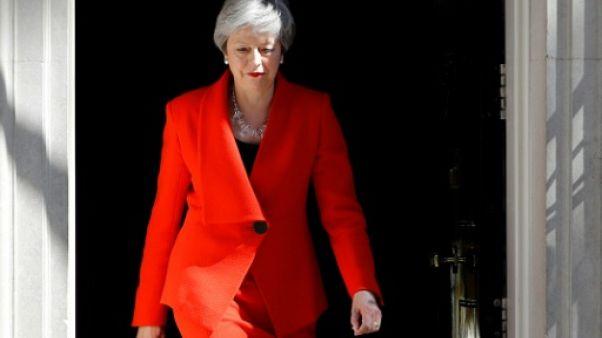 Theresa May s'efface et passe le Brexit à son successeur