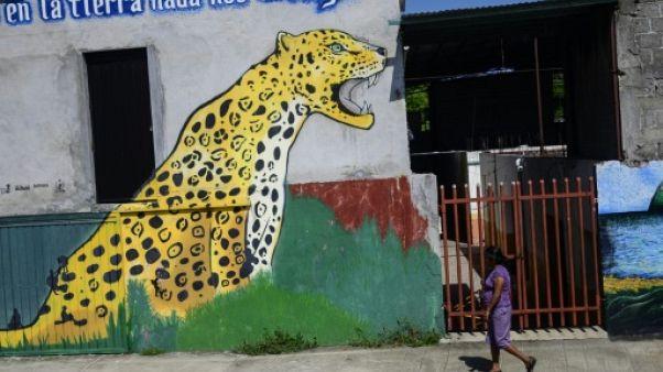 Sur le fleuve Suchiate, des migrants centraméricains entre rêve et amertume