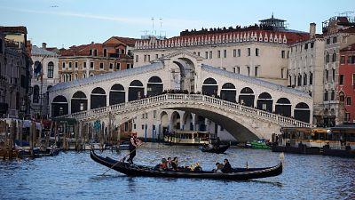 Coppia fa bagno a Venezia, denunciata